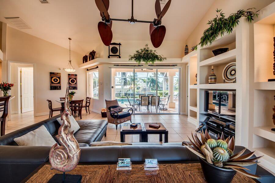 Villa Tao Cape Coral Ferienhaus mieten mit Wohnzimmer im asiatischem Stil
